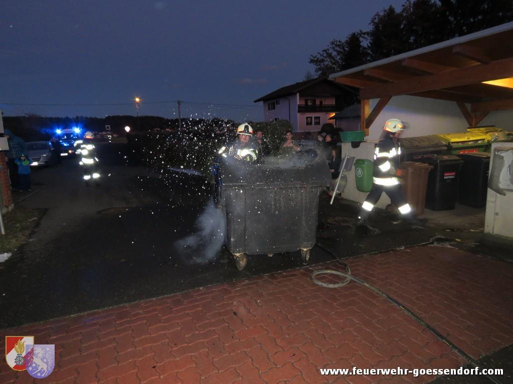Müllkübel/Containerbrand